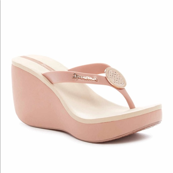 2eacb9be54e Ipanema Shoes - Bossa Rose Gold Wedge Sandal